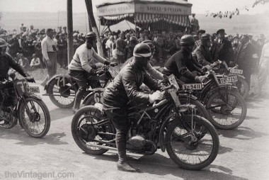 A race in Germany from the late c.1926, with an interesting mix of machines, including at least one BMW OHV R47. The photo deserves scrutiny for the variety of race clothing, bikes, and hand-painted numbers!.jpg