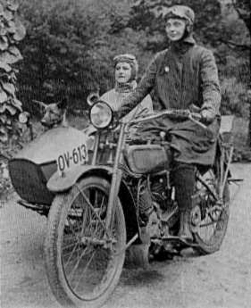 Harry Wagner and sister_Czechoslovakia_1923.jpg