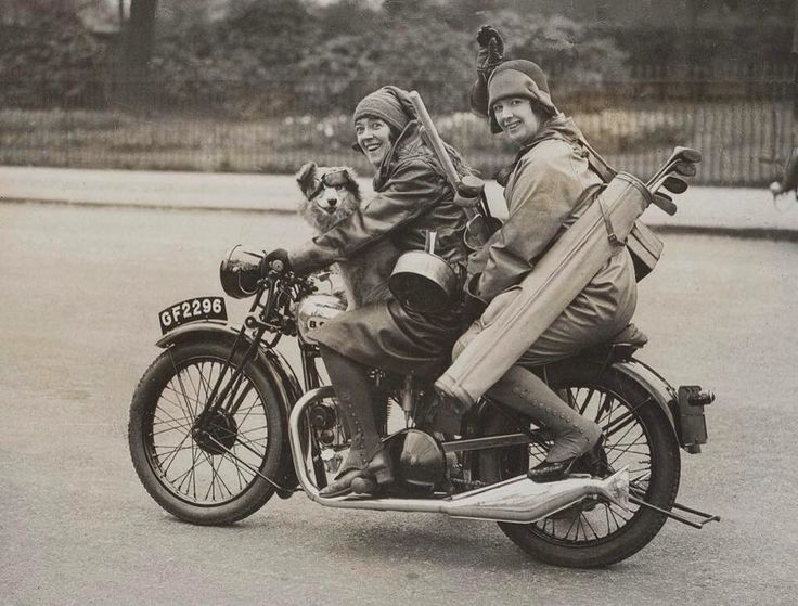 03dcc809c57f2084f83d8857a05e2ec4--women-riders-old-motorcycles.jpg