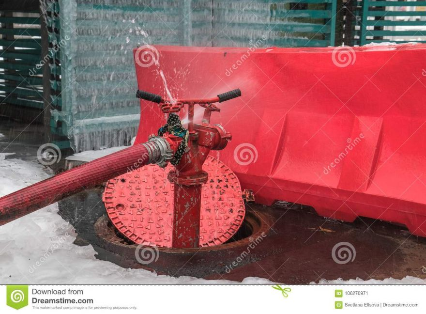 open-water-intake-well-fire-hydrant-jet-escapes-faulty-tap-106270971.jpg