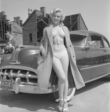 Marilyn Monroe and her 1950 Pontiac....jpg